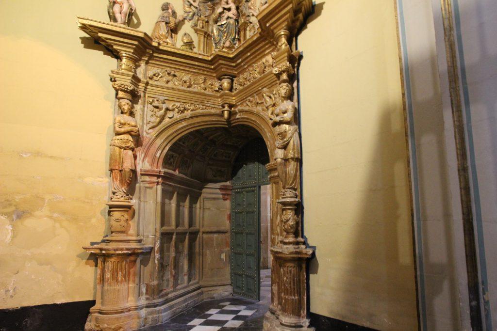 puerta renacentista capilla del salvador ubeda
