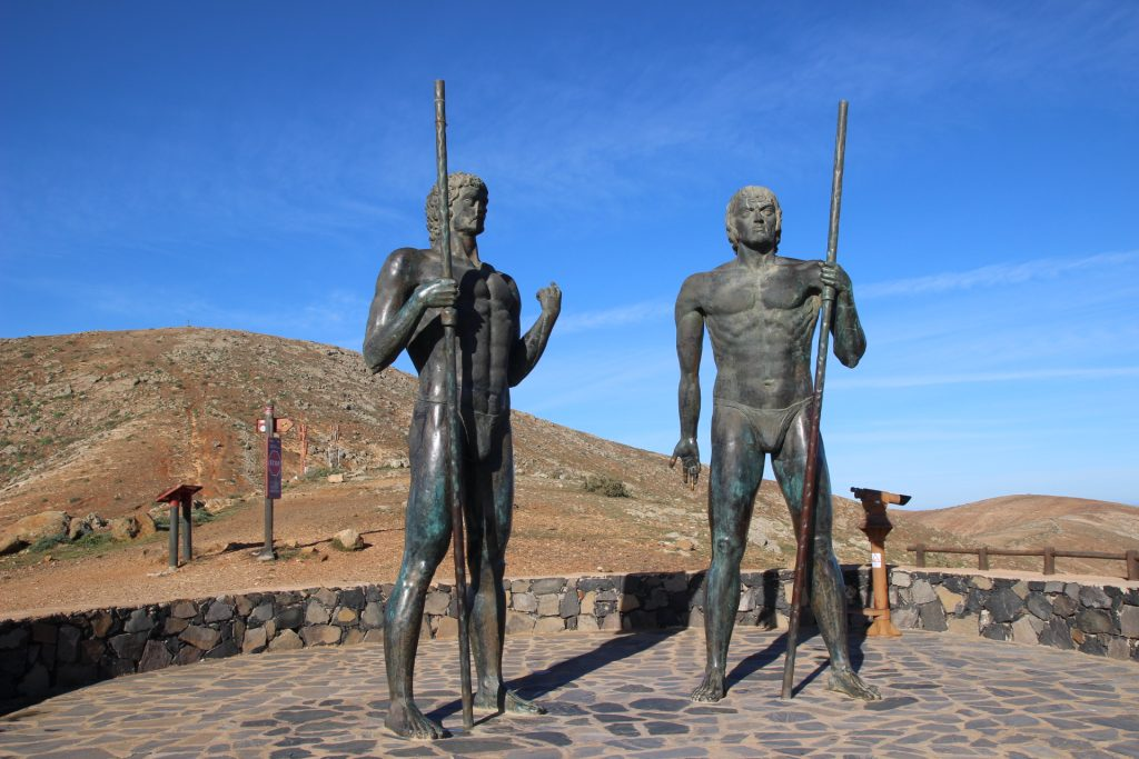 Estatuas de Guise y Ayoese