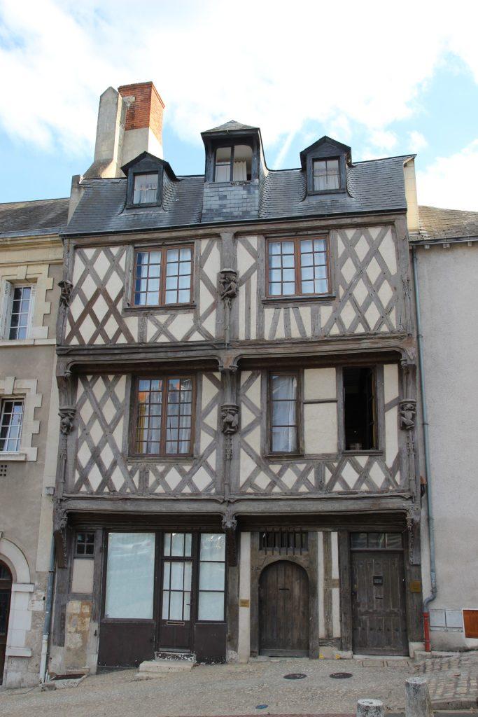 Casa del Acróbata, Blois